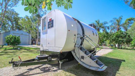 La fusoliera dell'aereo diventa la casa mobile più singolare d'Australia