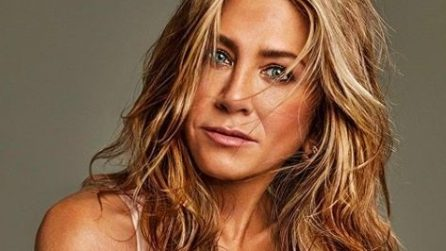 Jennifer Aniston in forma splendida a 51 anni