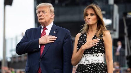 Melania Trump a pois e con i décolleté bianchi