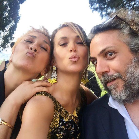 Con la sorella Barbara e il fratello Alessandro D'Urso