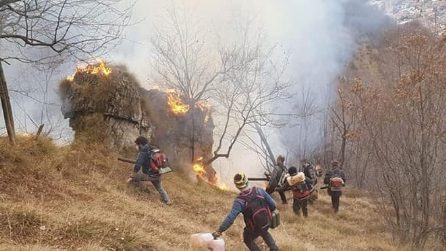 Brescia, incendio in Valsabbia e Valtrompia: i boschi devastati dal fuoco