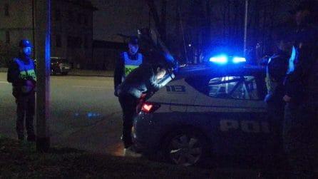 Coronavirus, prima notte di controlli agli automobilisti: posti di blocco della polizia a Milano