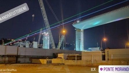 Il Ponte Morandi si illumina col tricolore: un ponte di luce per Genova