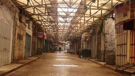 Il coronavirus è arrivato in Palestina: strade deserte e mercati vuoti a Nablus