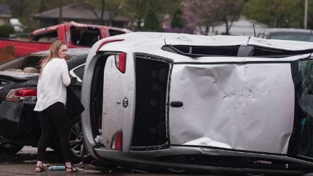 Stati Uniti, forte tornado si abbatte sull'Arkansas: ingenti i danni