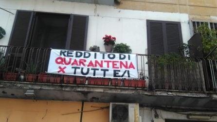 Reddito di quarantena: Napoli tappezzata di lenzuoli chiede il sostegno economico