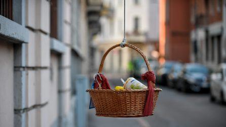 "Milano, iniziativa ""Ceste sospese"" per aiutare i bisognosi"