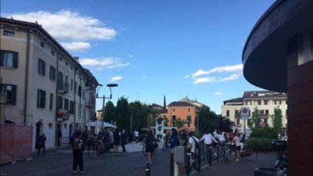 Verona, le strade si riempiono alla vigilia della fase 2