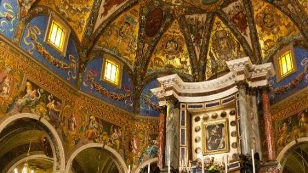 Pompei, le immagini del Santuario dove si tiene la supplica alla Madonna