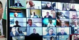 In videoconferenza con il presidente accade l'imprevisto: uno dei partecipanti fa la doccia
