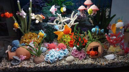 L'acquario sembra reale ma è completamente realizzato con l'uncintetto