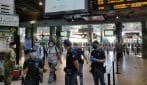 Fase 2, a Milano poca gente in metro: niente resse alla stazione di Cadorna