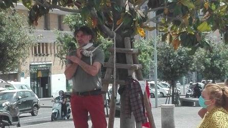 "Rifiuti, i dipendenti ex Cub protestano in piazza Municipio: ""Asia ci assuma"""