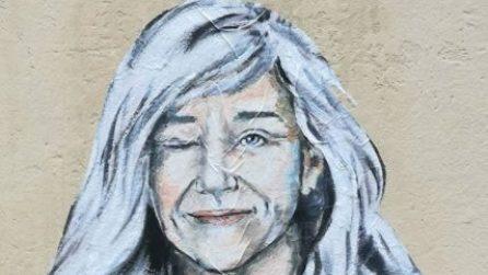"""Una vera """"SuperDonna"""", il murale per Giovanna Botteri su un muro di Firenze"""