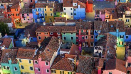 Burano, un'esplosione di colori tra i canali