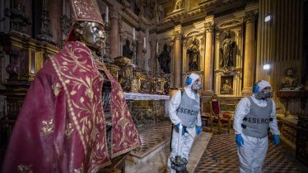 L'Esercito sanifica le chiese di Napoli, si comincia dal Duomo