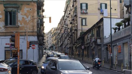 Caos traffico in piazza Mazzini, nessuno rispetta i nuovi sensi di marcia