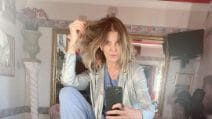 I selfie di Alba Parietti senza trucco
