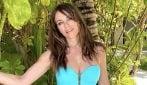 Per Liz Hurley il tempo sembra essersi fermato: a quasi 55 anni è più in forma che mai