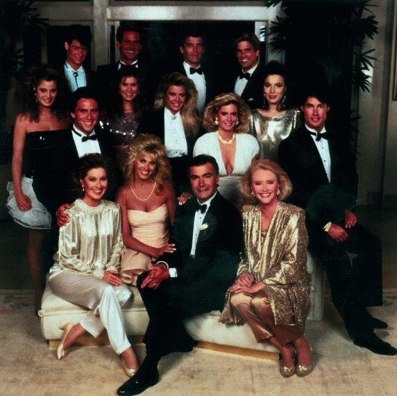 Cast 1987 (La soap iniziò la messa in onda in Usa il 23 marzo 1987, in Italia il 4 giugno 1990)
