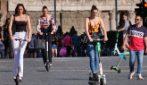 Monopattino mania: in tanti sul due ruote elettrico nel centro di Roma
