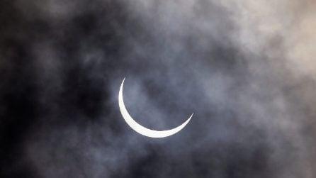 Eclissi solare anulare, le immagini dal mondo