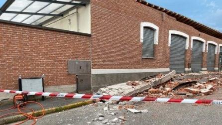 Albizzate, crolla cornicione di un'ex fabbrica ora area commerciale: morti la madre e i due figli