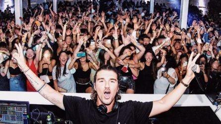 Andrea Damante e la serata in discoteca che non rispetta le norme anti-Covid: piovono critiche