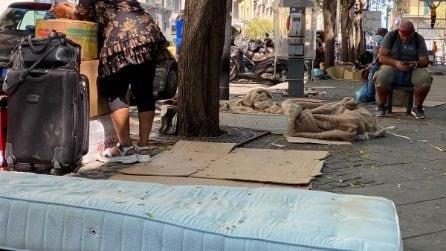 Piazza Garibaldi, la stazione centrale abbandonata al degrado: denuncia dei residenti
