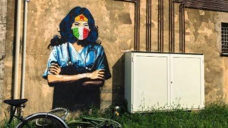 Wonder Woman con camice e mascherina: il murale che omaggia medici e infermieri a Padova