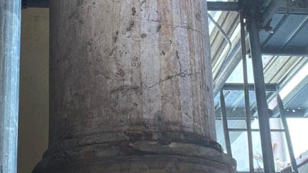 Raid di vandali al cantiere di restauro della Chiesa dello Spirito Santo, danneggiato il colonnato