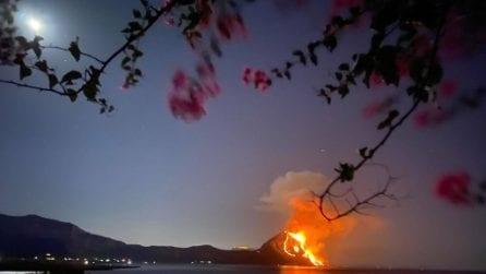 San Vito lo Capo, in fiamme il Monte Cofano: le foto
