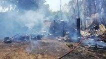 Incendio al Parco degli Acquedotti, le operazioni dei vigili del fuoco