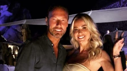Diletta Leotta, il sexy look gold per la festa di compleanno