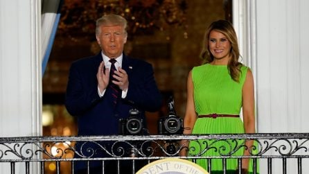 Il look color block (con l'abito fluo) di Melania Trump