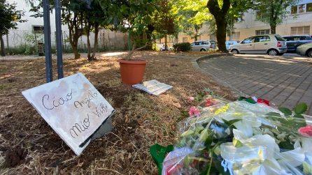 """Colleferro, nel luogo dov'è morto Willy fiori e un cartello: """"Ciao angelo mio"""""""