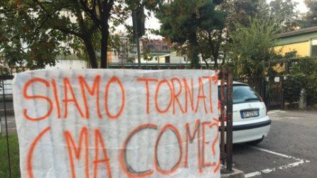 """Inizio scuola, gli studenti di Milano protestano con gli striscioni: """"Bentornati...ma come?"""""""
