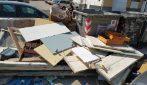 Napoli, troppi spazzini ammalati: nessuno raccoglie l'immondizia