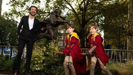 Londra omaggia Harry Potter con una statua a Leicester Square