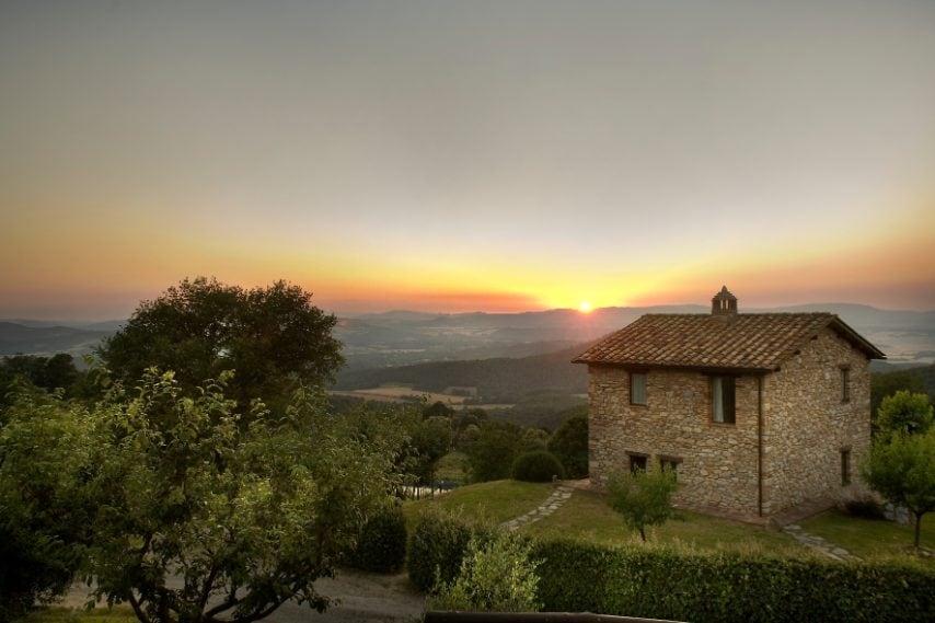 Appartamento con vista sul Chianti nell'antico borgo di Ripostena, nel cuore della Toscana.