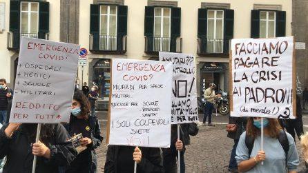 Coprifuoco e Lockdown a Napoli, nuova manifestazione in piazza contro De Luca