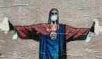 """Milano resiste"" nella street art di TvBoy"