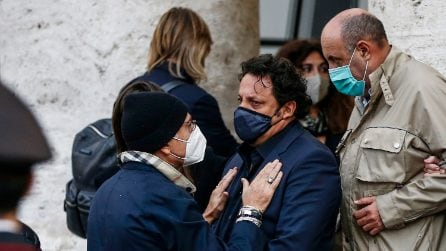 I vip presenti ai funerali di Gigi Proietti