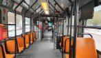 Milano zona rossa: nel primo giorno di lockdown poca gente sui mezzi pubblici, traffico in strada