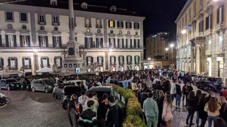 A Napoli migliaia in piazza la sera prima della zona rossa