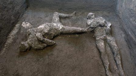 Pompei, scoperti i corpi di due vittime dell'eruzione del Vesuvio del 79 dopo Cristo