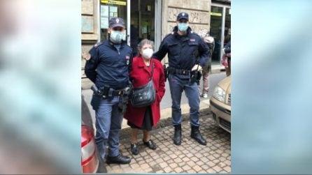 Milano, anziana chiede aiuto ai poliziotti: il bellissimo gesto verso la signora Giovanna
