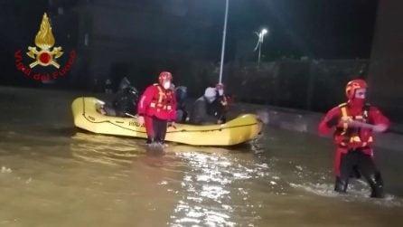 Maltempo Crotone, oltre 100 vigili del fuoco dispiegati per l'emergenza
