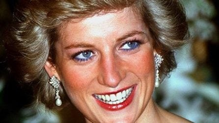 The Crown, l'iconica bellezza di Lady Diana sotto i riflettori