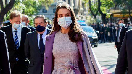 Letizia di Spagna, il cappotto lilla che ha riciclato 5 volte